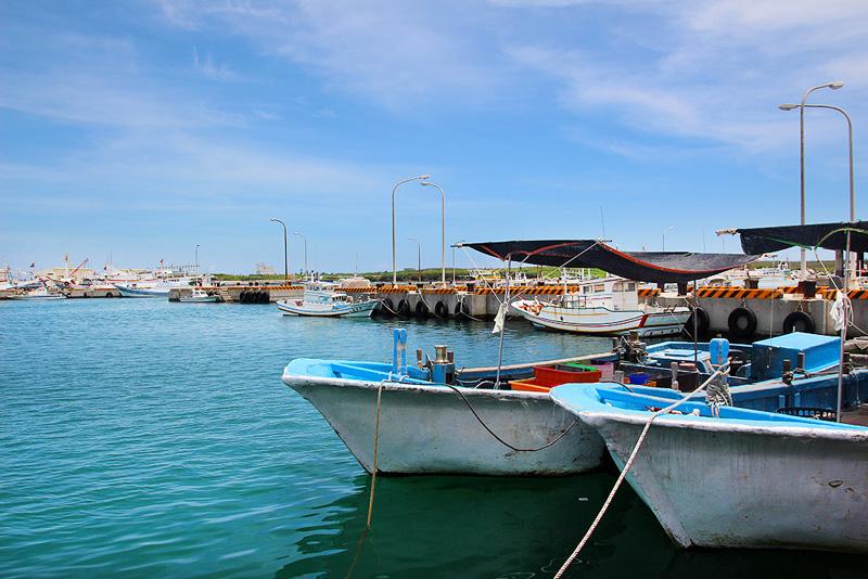 鎖港碼頭停泊船隻